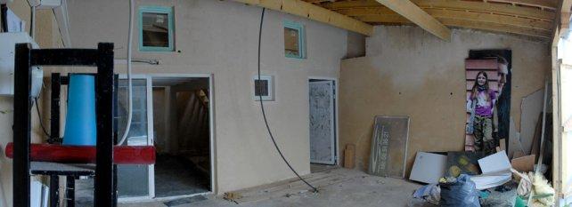 เปลี่ยนโรงรถเก่าให้เป็นบ้านเล็กน่าอยู่