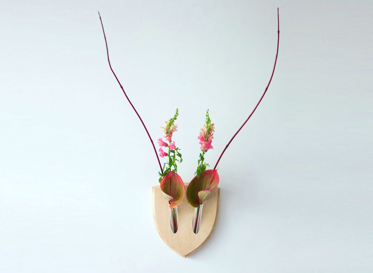 """ผลงานสวย ๆ ชิ้นนี้เป็นของ Elkebana โดยให้นิยามที่แขวนผนังนี้ว่า """"สีสันและการพัฒนาแห่งงานศิลป์สำหรับบ้าน"""""""