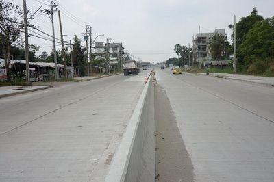 ขายที่ดิน 9 ไร่ ถนนเลียบวารี  ไร่ละ 1.2  ล้าน 089 886 3295