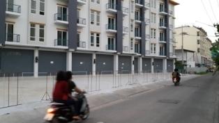 ขายอาคารพาณิชย์ ม.บูรพา 5 ชั้น 8 ห้องนอน 9 ห้องน้ำ 6.5 ล้านบาท(เหลือห้องสุดท้าย)