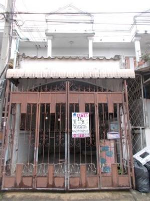 ทาวน์เฮาส์ 2 ชั้น หมู่บ้านใหญ่ ถนนกาญจนาภิเษก ติดสถานีรถไฟฟ้าสายสีม่วง
