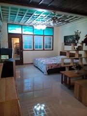 ให้เช่าคอนโดพัทยา ห้องมุมใหม่ สวยตกแต่งด้วยงานไม้ มีเฟอร์ ครัวพร้อม New Room