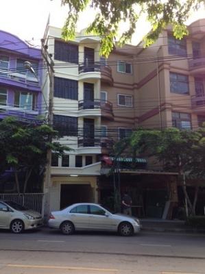 ขาย/เช่า อาคารพาณิชย์ 4.5 ชั้น 20 ตรว ซอยนาคนิวาส 32 ลาดพร้าว 71