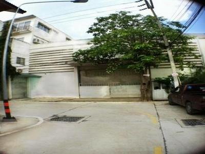 ให้เช่าอาคารสำนักงานและโกดัง พัทยากลาง บางละมุง ชลบุรี Office Bldg with warehousing for Rent