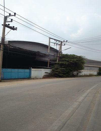 ขายโรงงาน-โกดังใหญ่ เต็มพื้นที่ 3ไร่เศษ ถนนเพชรเกษม ย่านสาย4