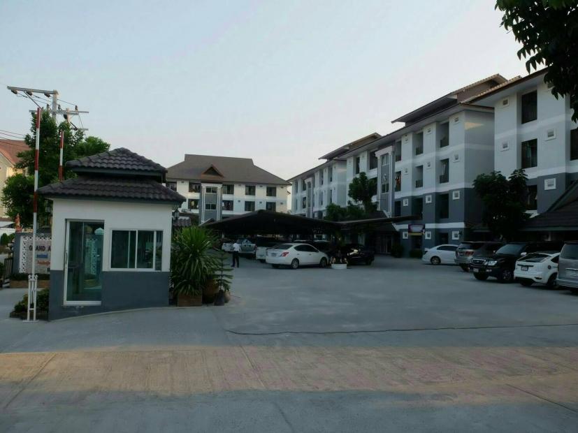 ขาย อพาร์ตเม้นท์  พื้นที่ 3-2-70 ไร่ อยู่ใกล้ เทคโนลาดกระบัง ทั้งหมดมี 230 ห้อง