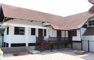 House for rent in the center of town at Thipanet road mueang Chiang mai