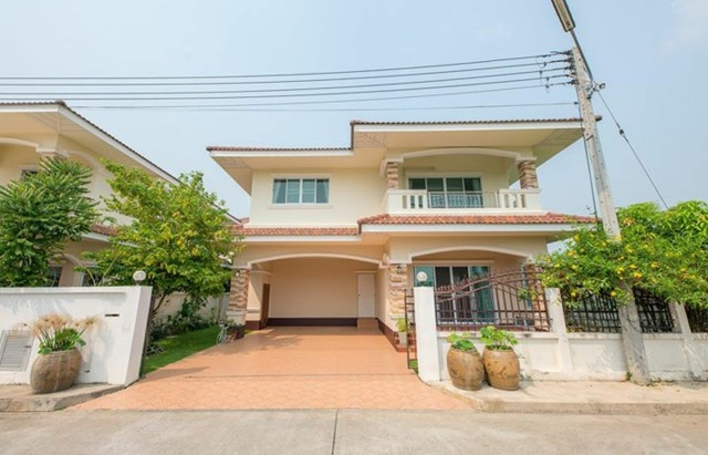 House for rent in a community near Bo Sang Intersection Sankampang Chiang Mai.