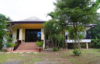 Newly renovated modern home 3 bedrooms Mae rim chiangmai