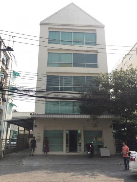 ขายอาคารสำนักงาน 5 ชั้น โครงการสุรีย์พร ใกล้เลียบด่วนเอกมัย-รามอินทรา อาคารสวยพร้อมลิฟท์