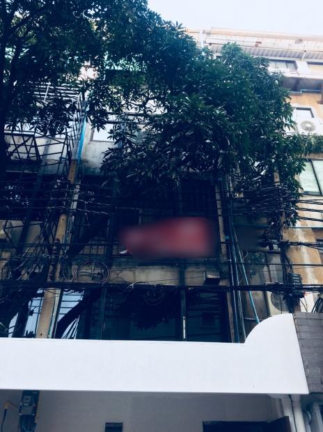 อาคารพานิชย์ย่านสีลม ลงบีทีเอสสุรศักดิ์เดินประมาณ150เมตร